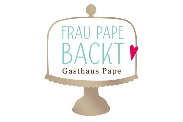 Frau Pape backt